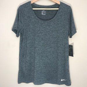 Nike women's Training shirt   Dry Fit   L